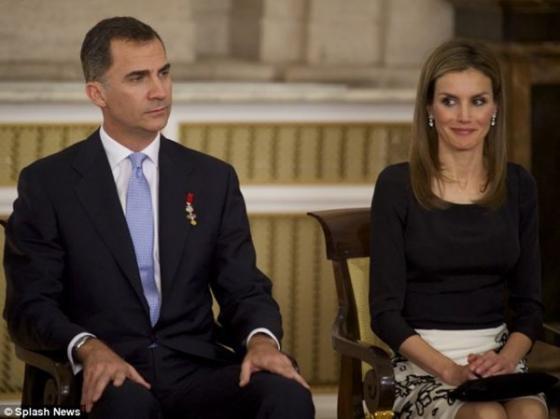 Cận cảnh Lễ thoái vị của vua Tây Ban Nha - ảnh 9