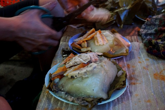 Hàng bánh giò 4 tiếng bán 500 chiếc ở Hà Nội