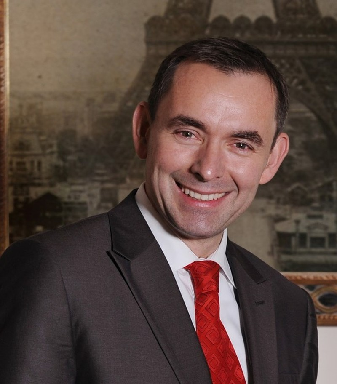 """Đại sứ Pháp sẽ ngồi """"ghế nóng"""" chấm các ứng viên Hoa khôi Áo dài  - ảnh 1"""