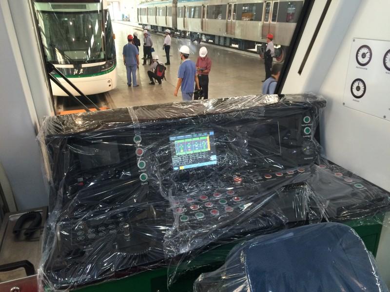 Cận cảnh tàu điện cao tốc đầu tiên của Việt Nam - ảnh 3
