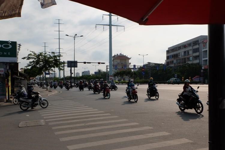 Đường Sài Gòn dễ thở trong ngày đầu tiên đi làm  - ảnh 2