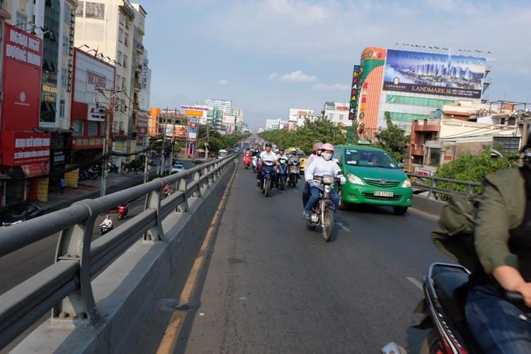 Đường Sài Gòn dễ thở trong ngày đầu tiên đi làm  - ảnh 7