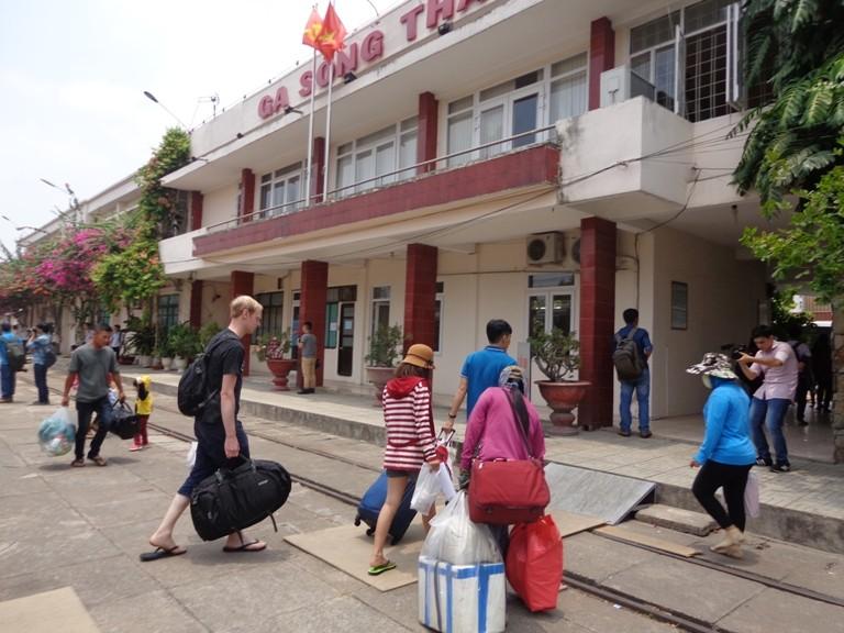 Sài Gòn 'sống lại' những chuyến tàu ngoại ô - ảnh 11