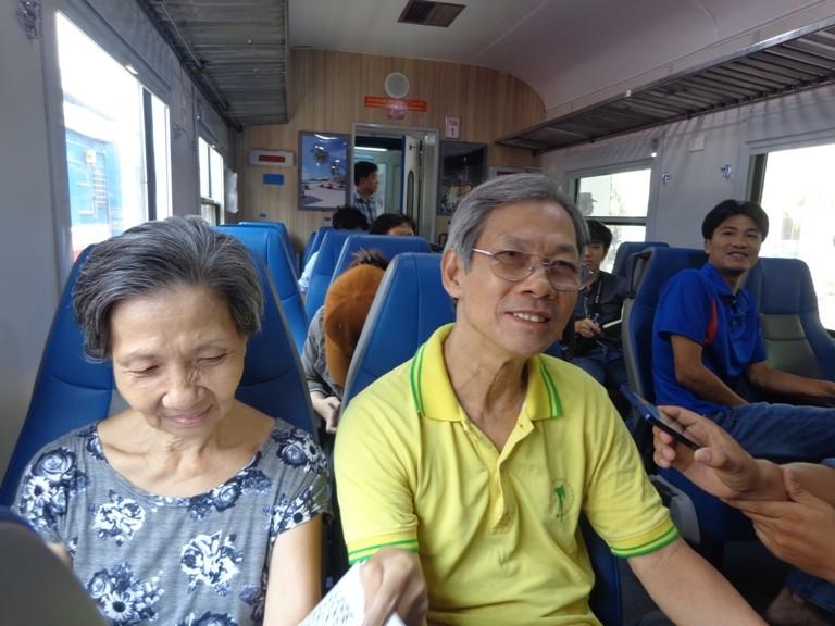 Sài Gòn 'sống lại' những chuyến tàu ngoại ô - ảnh 13
