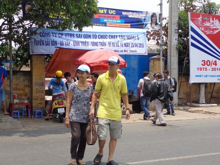 Sài Gòn 'sống lại' những chuyến tàu ngoại ô - ảnh 14