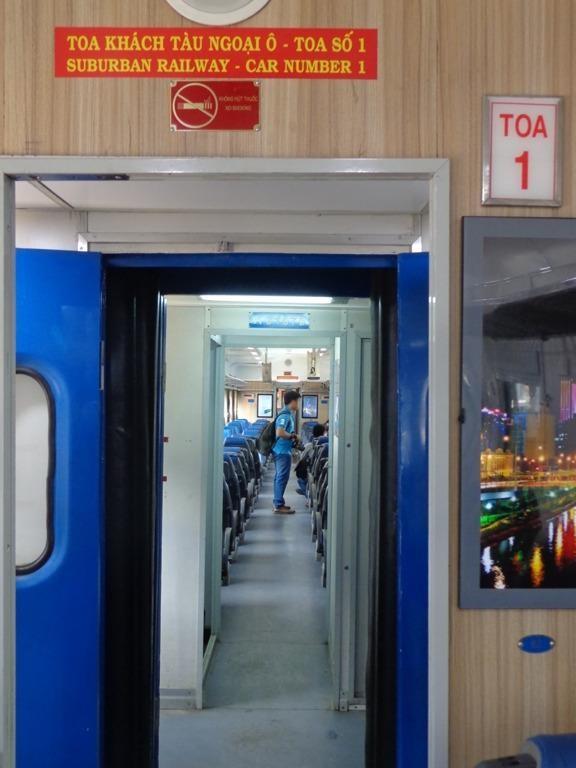 Sài Gòn 'sống lại' những chuyến tàu ngoại ô - ảnh 3