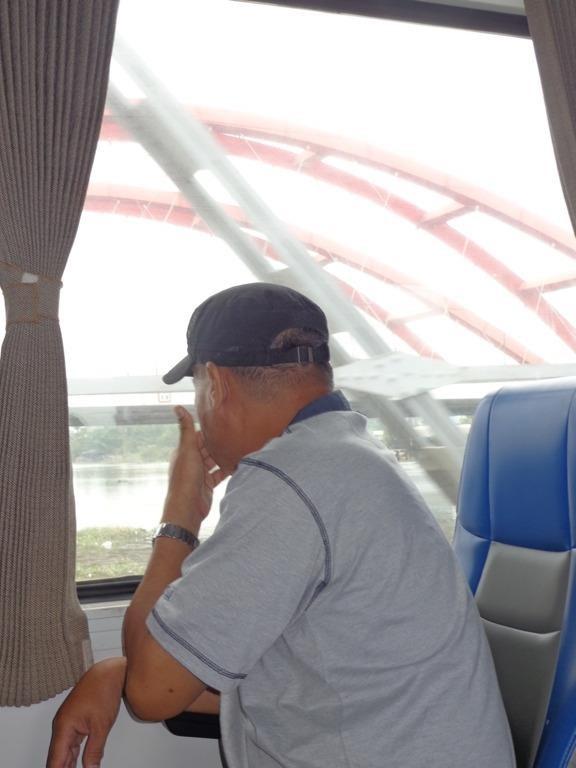 Sài Gòn 'sống lại' những chuyến tàu ngoại ô - ảnh 9