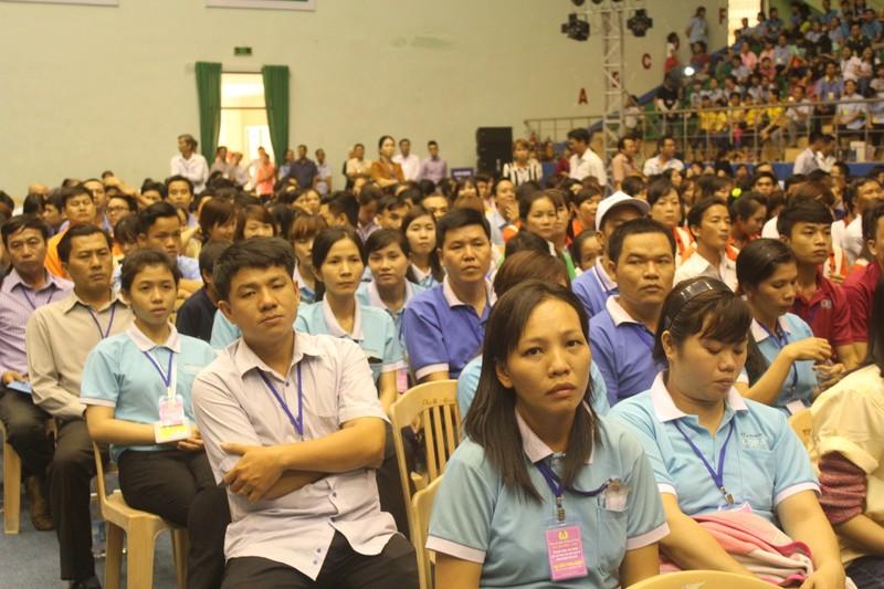Thủ tướng Nguyễn Xuân Phúc đối thoại với 3.000 công nhân  - ảnh 4