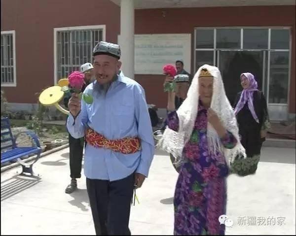 Cụ ông 71 tuổi cưới cụ bà 114 tuổi sau 1 năm theo đuổi  - ảnh 3