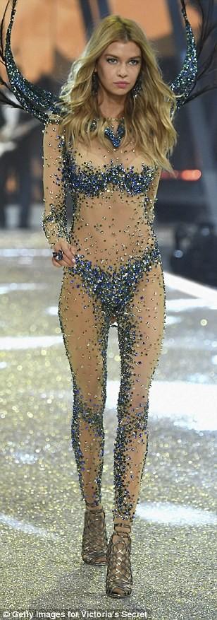 Bỏng mắt với bộ nội y đẹp nhất show Victoria's Secret - ảnh 5