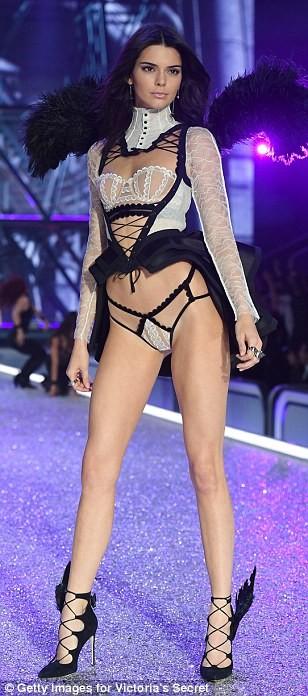 Lộ diện dàn thiên thần nóng bỏng của Victoria's Secret - ảnh 6