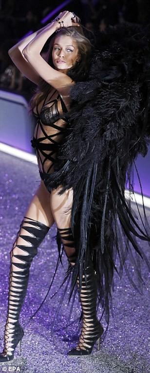 Lộ diện dàn thiên thần nóng bỏng của Victoria's Secret - ảnh 4