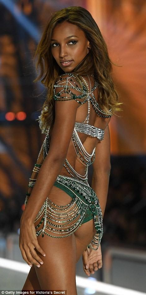 Bỏng mắt với bộ nội y đẹp nhất show Victoria's Secret - ảnh 3