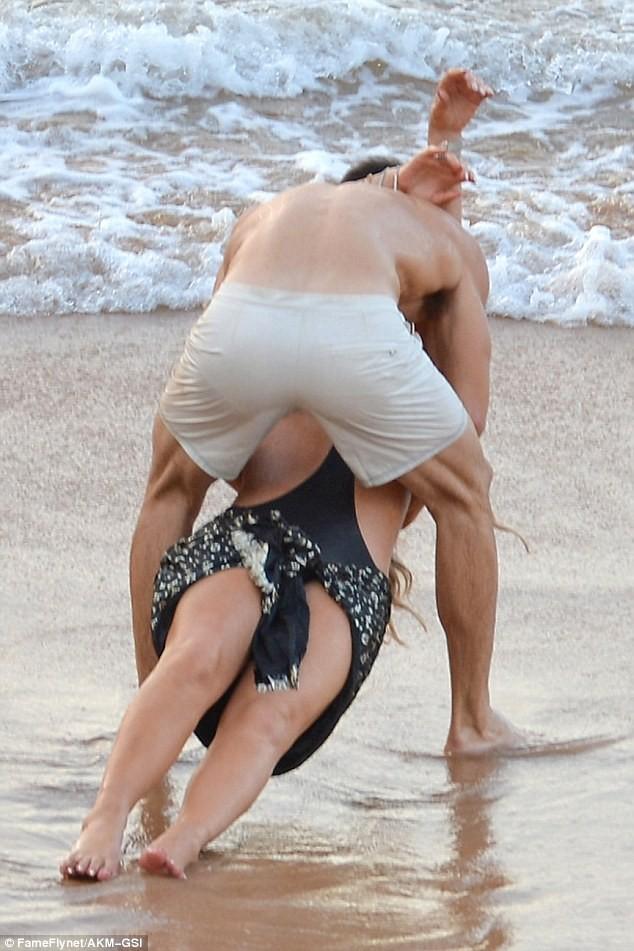 Mariah Carey bên tình mới - ảnh 2