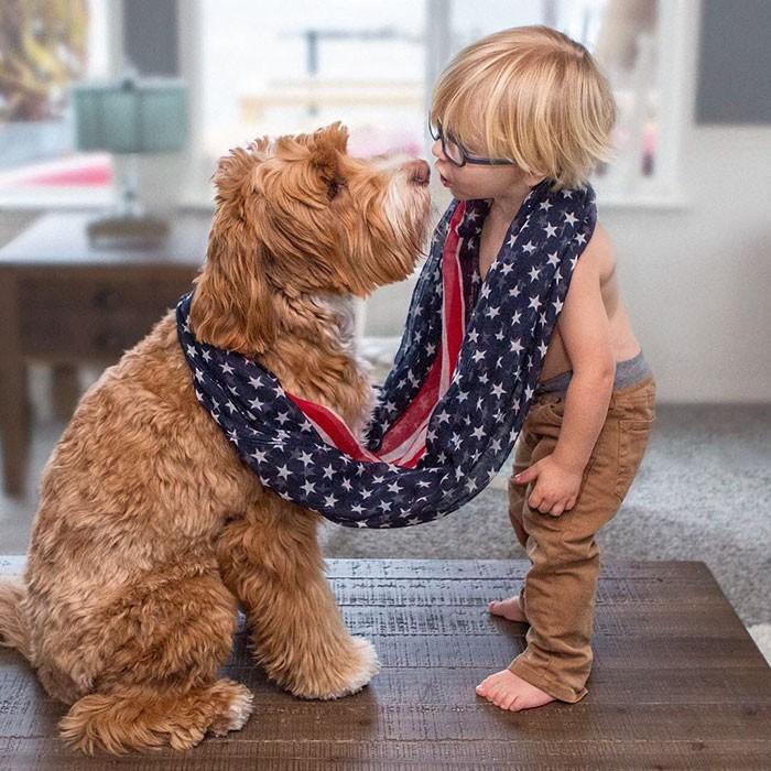 Tan chảy với cặp đôi bé-cún cực đáng yêu - ảnh 8