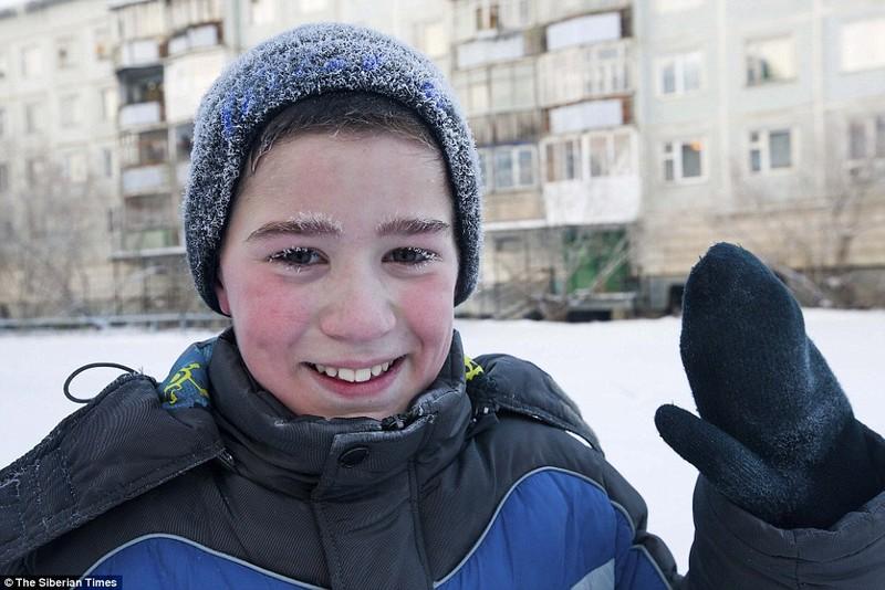 Lạnh -53 độ C, trẻ em Nga vẫn phải đến trường - ảnh 4