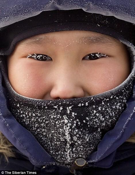 Lạnh -53 độ C, trẻ em Nga vẫn phải đến trường - ảnh 5