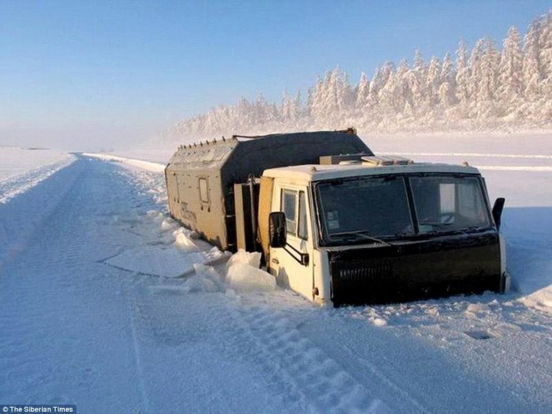 Lạnh -53 độ C, trẻ em Nga vẫn phải đến trường - ảnh 7