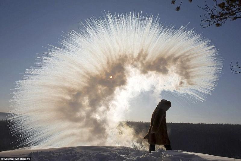 Lạnh -53 độ C, trẻ em Nga vẫn phải đến trường - ảnh 3
