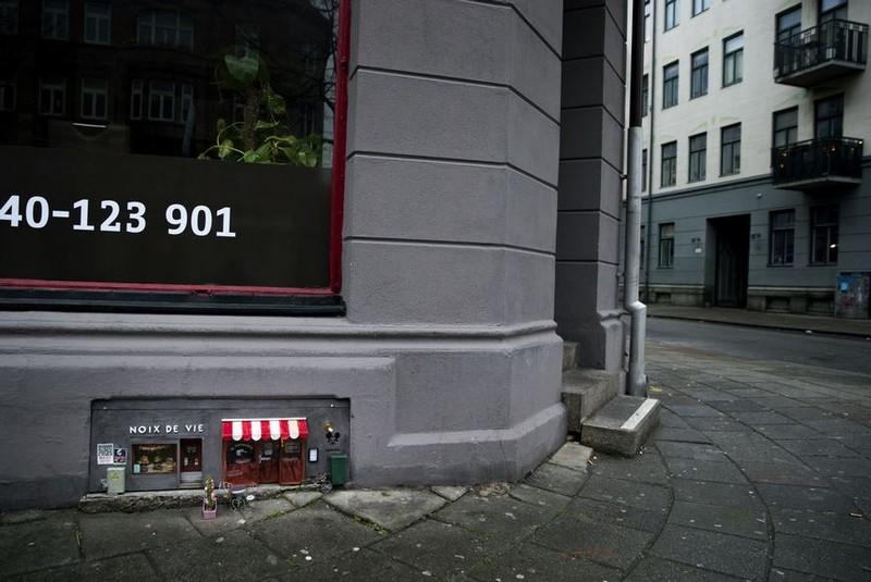 Ngộ nghĩnh những ngôi nhà chuột trên phố Thụy Điển - ảnh 2