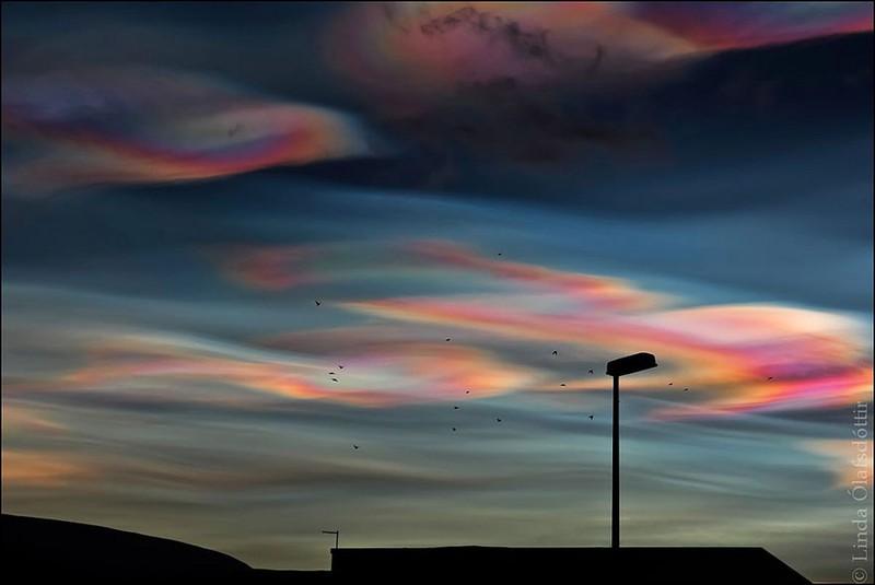 Xuất hiện đám mây có hình thù như đĩa bay ở Nhật - ảnh 6