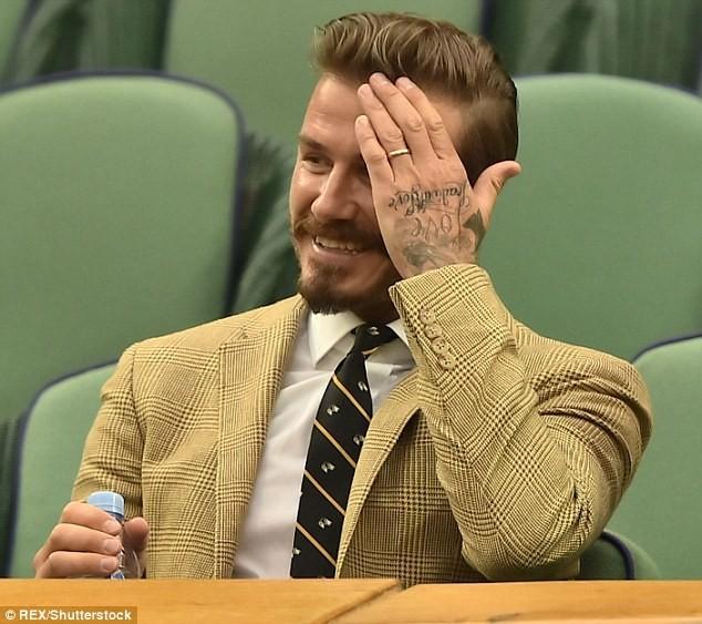 Beckham 'khoe' nhẫn cưới mới? - ảnh 3