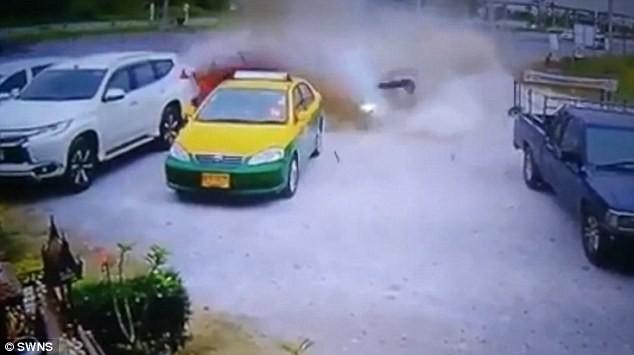 Người đàn ông thoát chết hi hữu sau tai nạn kinh hoàng - ảnh 1