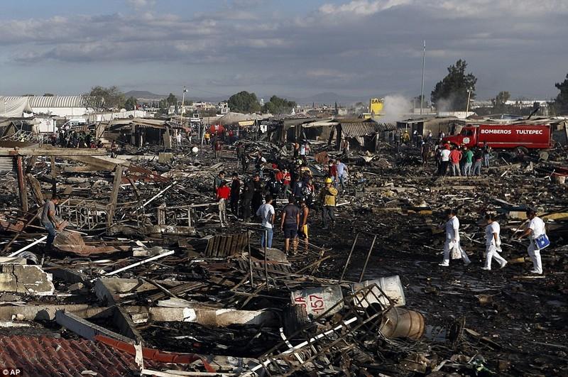 Cảnh hoang tàn sau vụ nổ pháo bông làm 26 người chết - ảnh 9