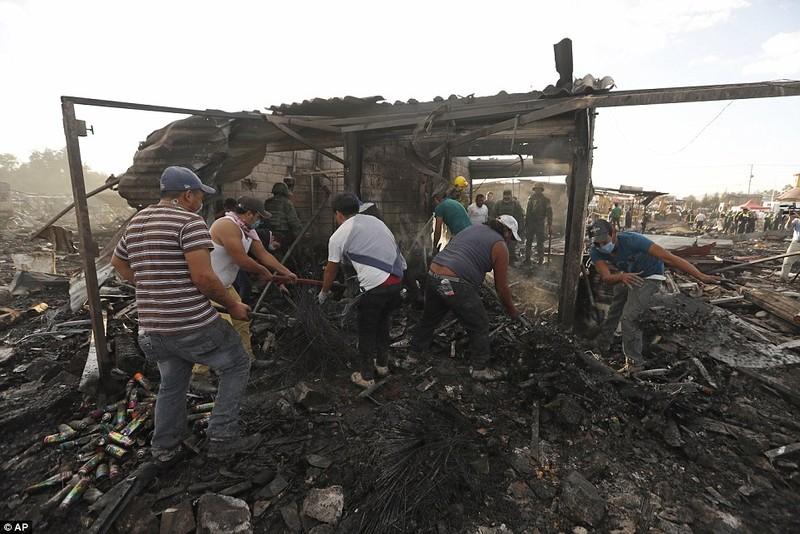 Cảnh hoang tàn sau vụ nổ pháo bông làm 26 người chết - ảnh 10