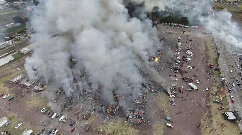 Cảnh hoang tàn sau vụ nổ pháo bông làm 26 người chết - ảnh 8