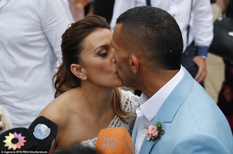 Đám cưới linh đình của ngôi sao Carlos Tevez - ảnh 1