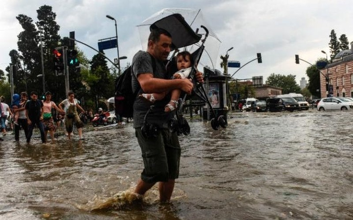 Thổ Nhĩ Kỳ chật vật vì lũ, mưa đá to bằng bóng golf - ảnh 2