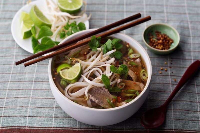 Phở và gỏi cuốn thuộc 50 món ăn ngon nhất thế giới - ảnh 1