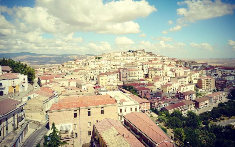 Thị trấn tuyệt đẹp trả 2.000 euro để dân đến nhập cư - ảnh 3