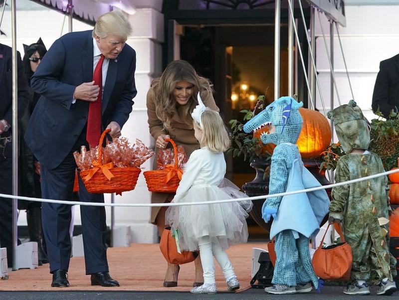 Halloween đầu ở Nhà Trắng của ông Trump có gì? - ảnh 1