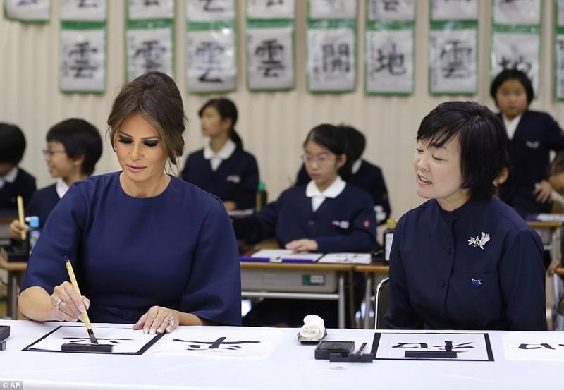 Bà Melania Trump lộng lẫy dự quốc yến ở Nhật - ảnh 4