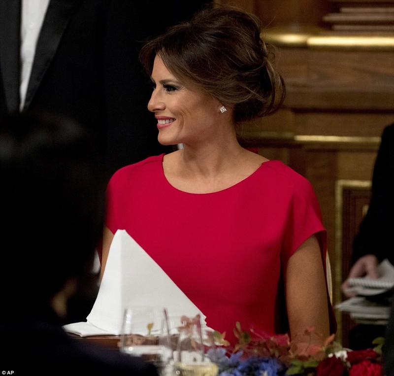 Bà Melania Trump lộng lẫy dự quốc yến ở Nhật - ảnh 3