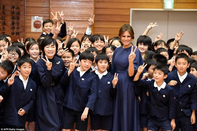 Bà Melania Trump lộng lẫy dự quốc yến ở Nhật - ảnh 5