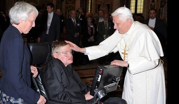 Cuộc đời thiên tài Stephen Hawking qua ảnh - ảnh 9
