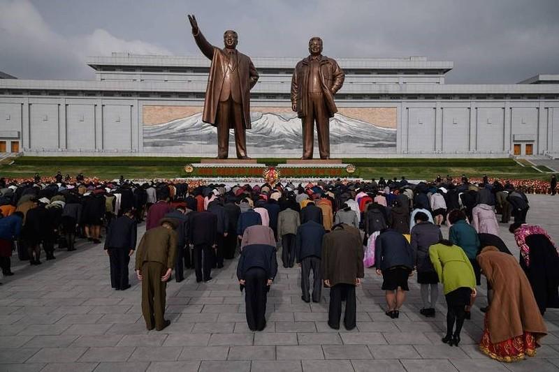 Tên lửa vắng bóng trong dịp lễ 'Ngày mặt trời' ở Triều Tiên - ảnh 1