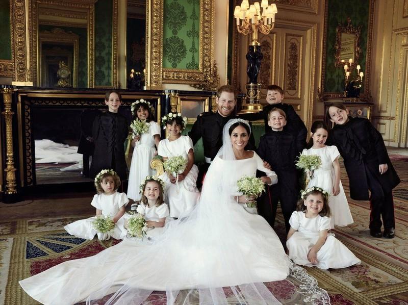 Hoàng gia Anh chính thức công bố ảnh cưới của hoàng tử Harry - ảnh 2