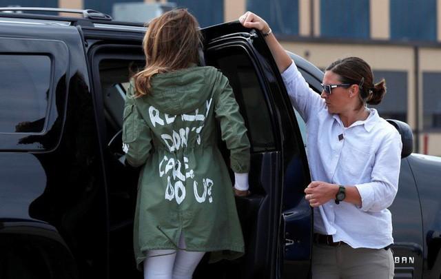 Dân mạng dậy sóng với thông điệp trên áo Đệ nhất phu nhân Mỹ - ảnh 3