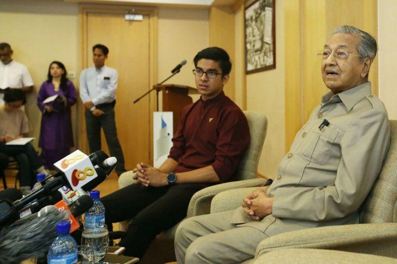 Chân dung 'chàng bộ trưởng hotboy' 25 tuổi của Malaysia - ảnh 3