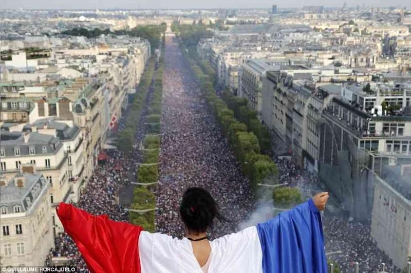 Tổng thống Macron phấn khích khi Pháp vô địch World Cup - ảnh 8