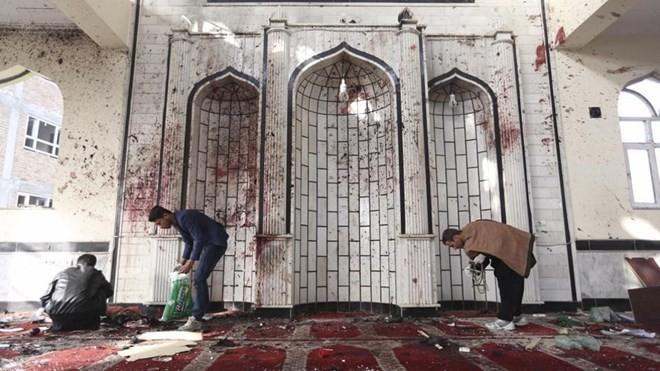 Đánh bom thánh đường Hồi giáo Afghanistan, 25 người chết - ảnh 1