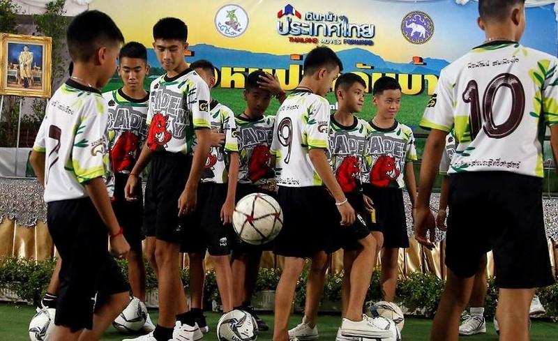 Thái Lan cấp quốc tịch cho 4 thành viên đội bóng Lợn hoang - ảnh 2