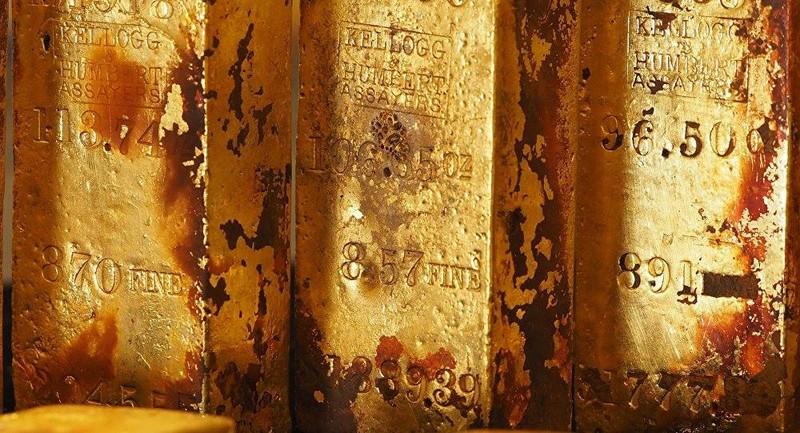 Tìm thấy hòm sắt bí ẩn nghi chứa nhiều vàng - ảnh 1