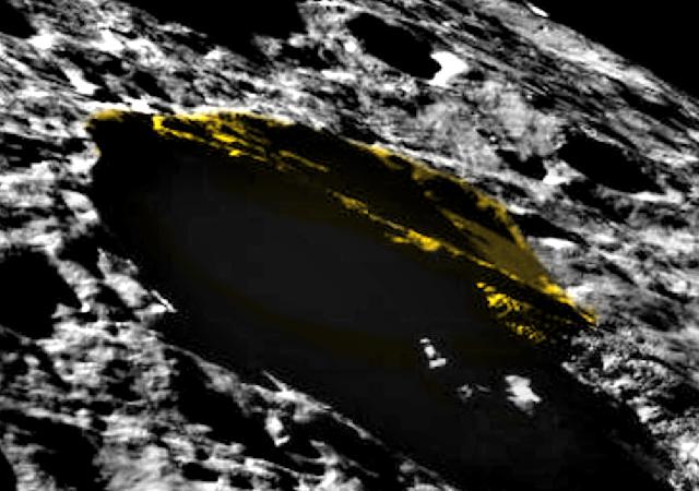 Phát hiện vật thể lạ trên bề mặt mặt trăng - ảnh 1