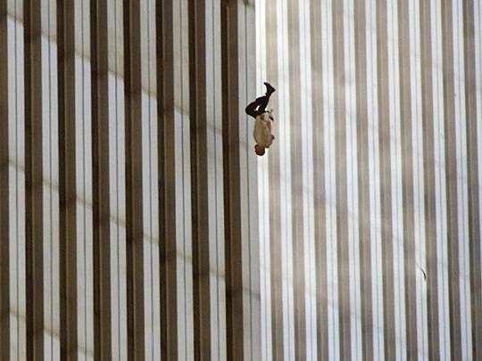 Những hình ảnh ám ảnh mãi về ngày 11-9 - ảnh 8