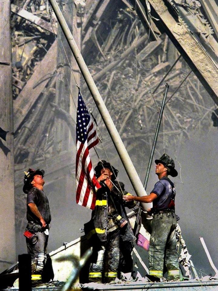 Những hình ảnh ám ảnh mãi về ngày 11-9 - ảnh 13